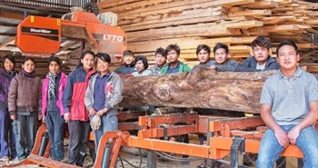 Sawmilling in Bhutan with a Wood-Mizer LT70